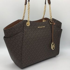 MICHAEL KORS LG CHAIN SHLDR TOTE BROWN